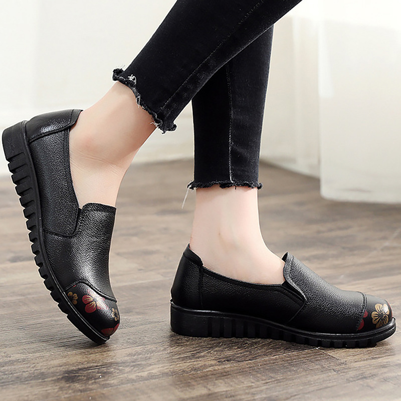 Image 4 - Women's Shoes Made of Genuine leather Large size 4.5 9 Slip on Flat shoes women Damping Non slip Flat shoes 2019 News-in Women's Flats from Shoes