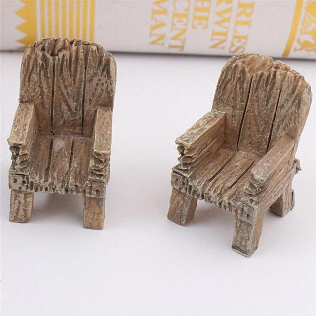 2pcs/Pair Cute Mini Simulated Wooden Chair Ornament Resin Craft Micro Landscape Fairy Garden Miniature Home Garden Decoration 1
