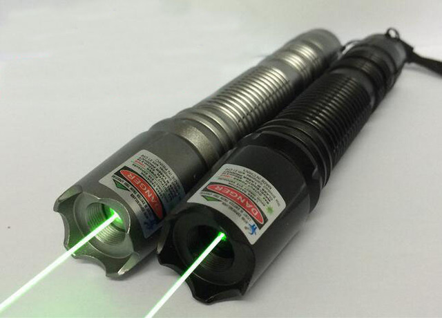 Strong high power 20000 green laser pointer 532nm focusable with 5 star caps burning match green laser pointers /pop balloon