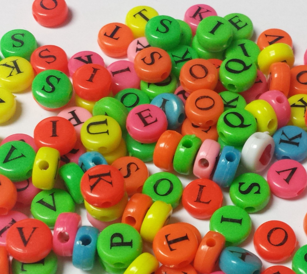 Plastic beads for crafts - Wholesale 100pcs Bulk Letter Multi Color Charms Loose Beads 10mm Color Pony Beads For Girl Princess