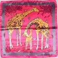 Echarpes Mulheres Marca Girafa Rosa Escuro Acessórios de Moda Senhora Pequenos Lenços Quadrados De Cetim Lenço De Seda Impresso Para O Outono Inverno