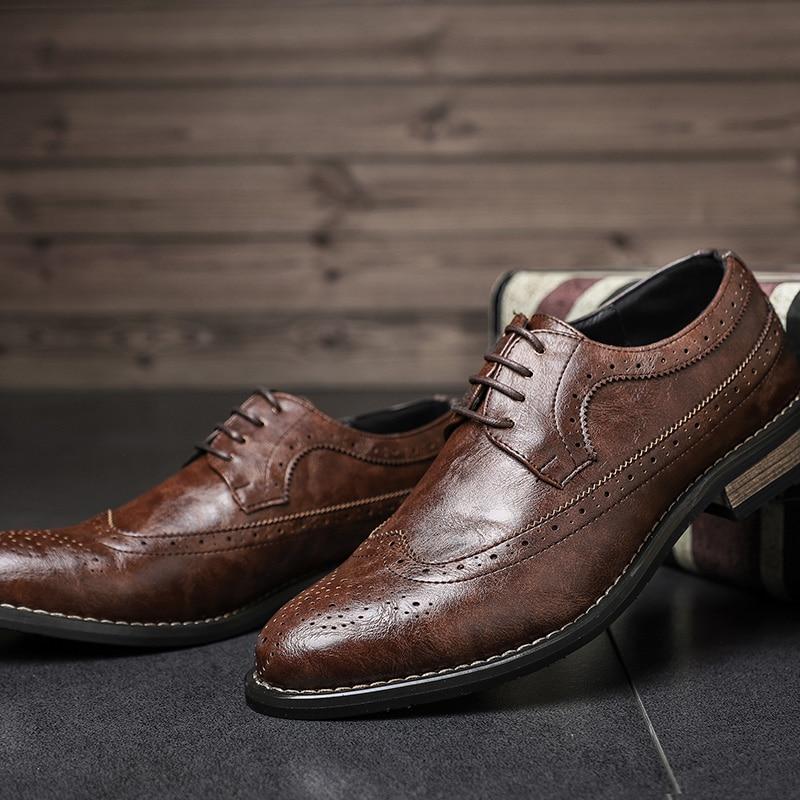 Sapatas Oxfords Vintage Esculpida Apontado Couro Clássico Nova Do Forma Business De Da Casual Dedo Desai Vestido Homens Black Casamento Brogue Dos brown Sapatos TaxnZO