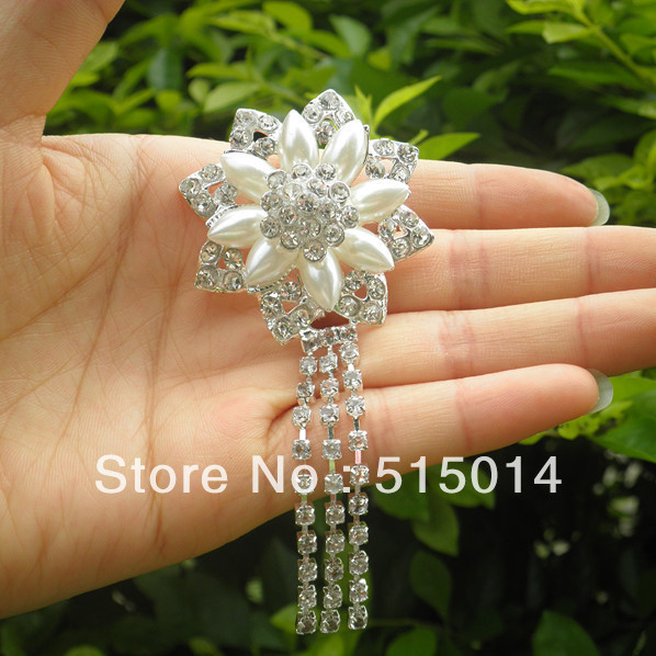 Free Shipping ! Flower Pandent Rhinestone Brooch With Pin .Price Negotiable for Large Order