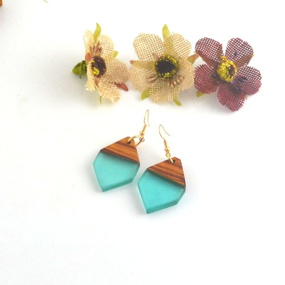 Leanzni Fashion earrings, geometric wood resin, antique jewelry, natural wood grain, wholesale gifts for women.