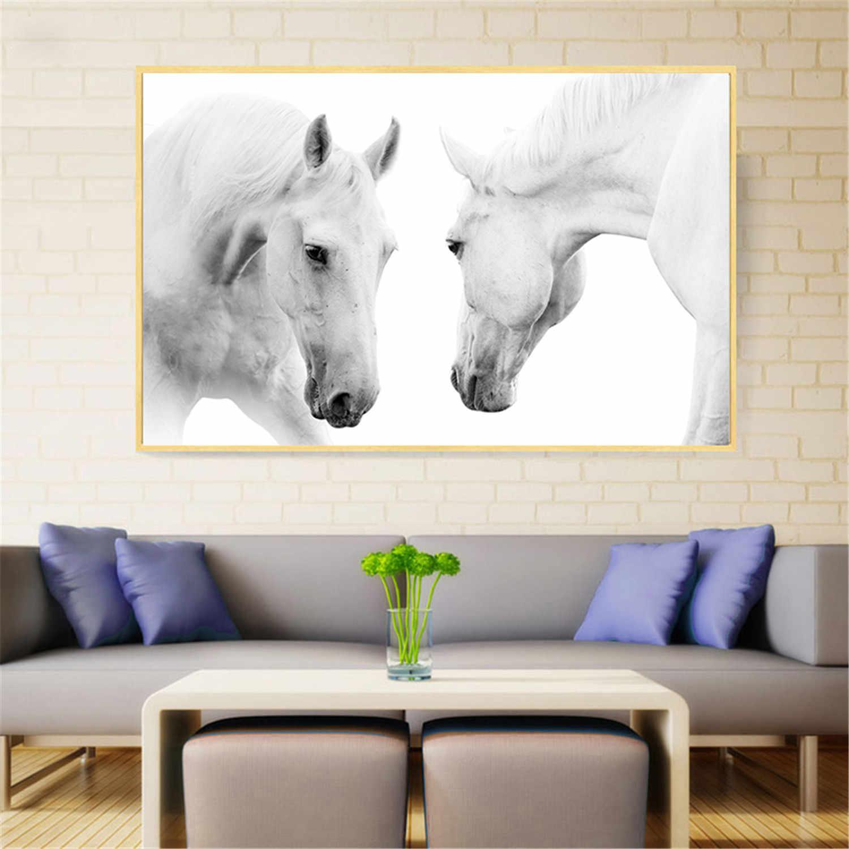 тощих постер с лошадью это