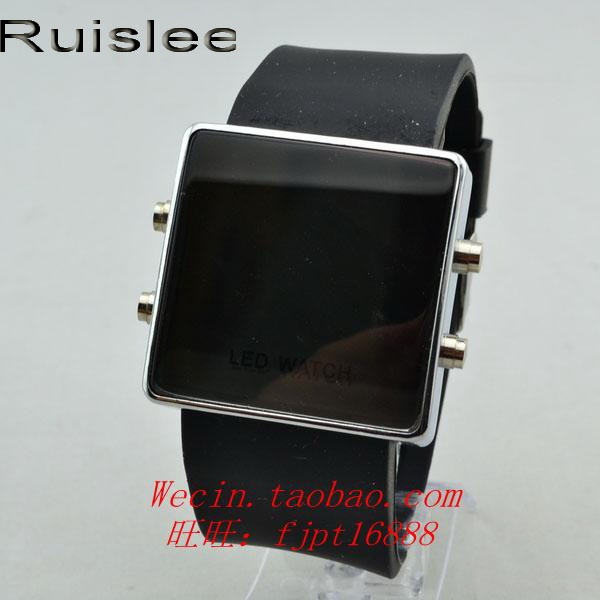 New Silicone LED Watches Fashion Student Unsex Digital watch Hours Make up Mirror Electronic Women Sportsmart Square Man WatchesNew Silicone LED Watches Fashion Student Unsex Digital watch Hours Make up Mirror Electronic Women Sportsmart Square Man Watches