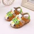 Bebé shoes con luces intermitentes niños sandalias de cuero de la pu de la historieta kids shoes