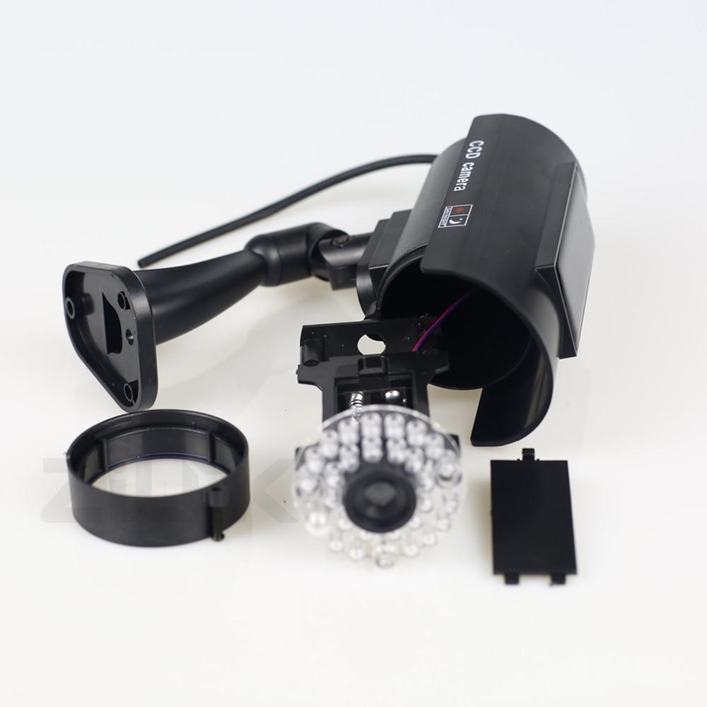 geekoplanet.com - Solar Powered Waterproof Dummy CCTV Camera