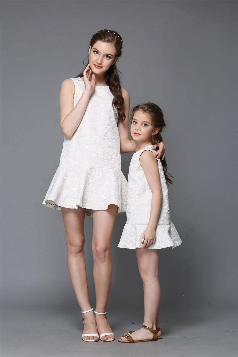 wholesale Summer women beige jacquard infant kids girl dress mom daughter dress mother and girls formal party dress family look 2017 summer children clothing mother and daughter clothes xl xxl lady women infant kids mom girls family matching casual pajamas