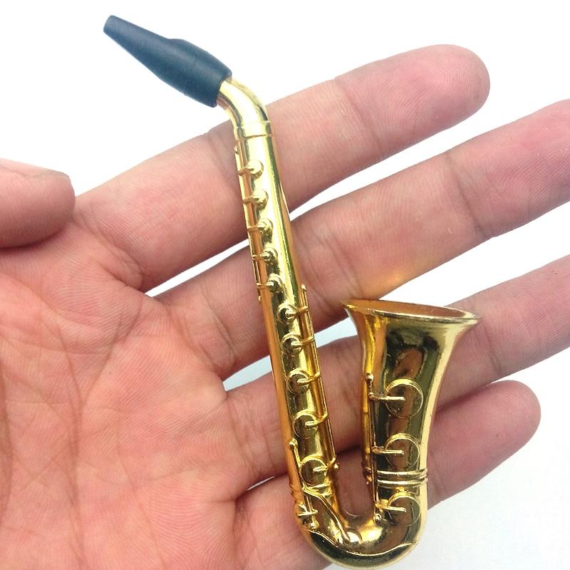 Nueva calidad nueva moda 1 Uds saxofón pequeño humo pipas de fumar pipa de metal para fumar tabaco de tubo trituradora hookah Colorfull intermitente LED lámpara humo pipas hierba de Jamaica tabaco Pipa para fumar detectores de regalo molinillo de hierba Narguile Hookah