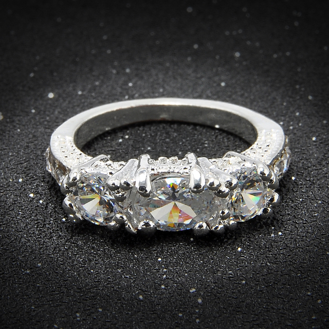 2016 New Exquisite Women Silver Plated Clear Zircon Wedding Ring Engagement Ring