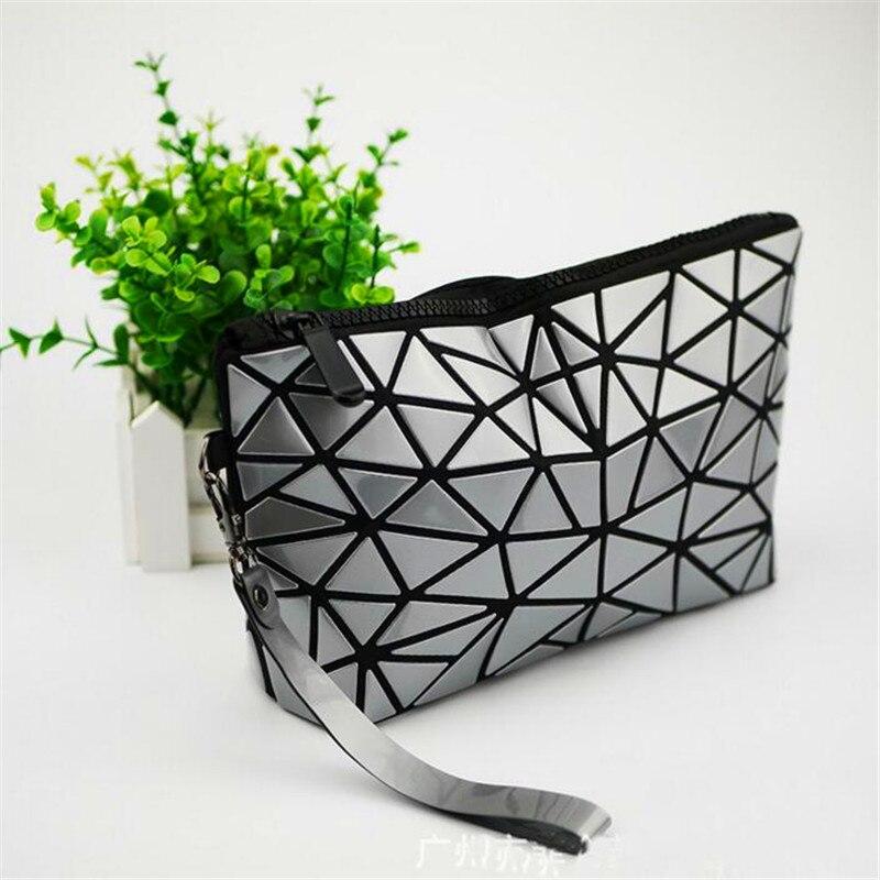 2018 New Japan Clutch Handbags Messenger Bag Bao Women Make Up Laser Sac Bags Geometry Envelope Bao Clutch Phone Small Bag