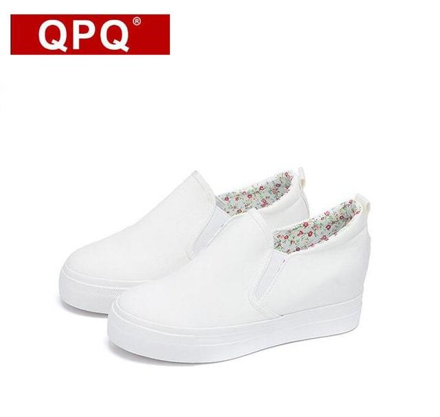 f1fbd76aa2 QPQ Floral Canvas Shoes 2017 Fashion Appliques Slipony Women Footwear  Height Increase Girl Female Comfort Slipon Women Shoe
