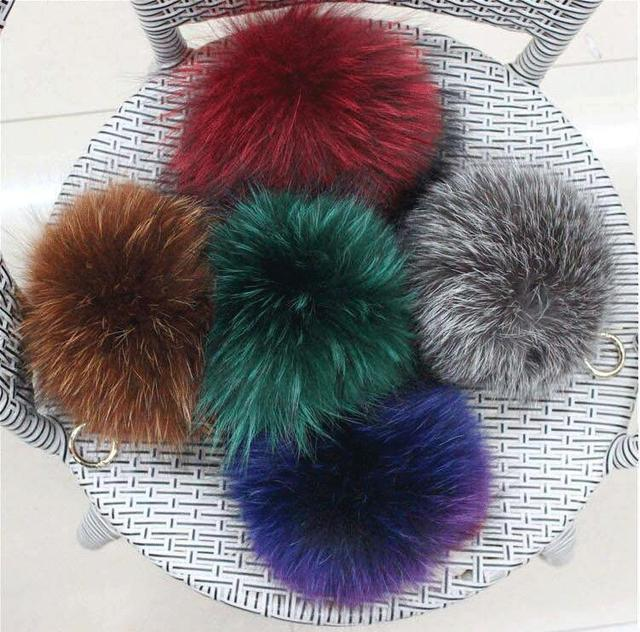 NEW Fashion 17cm Fluffy fox Fur Ball Keychain Real Fox Fur Keychain Fur Pompom Key Chain Pompon Keyring Charm Women Bag Pendant