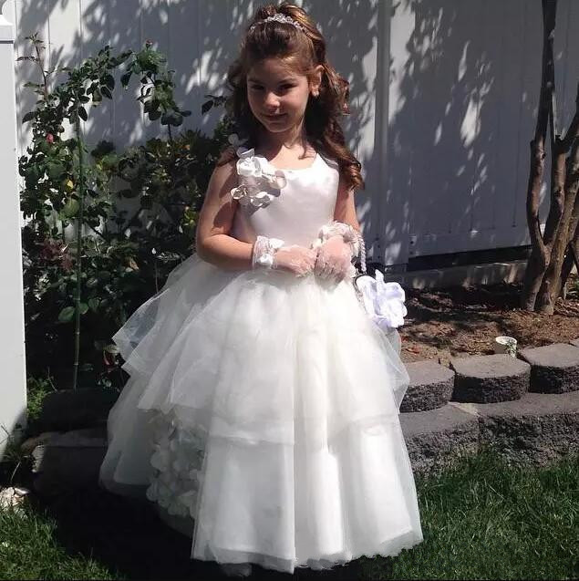 New White Tulle Ball Gown Flower Girl Dress for Wedding Girls Birthday Dress Pageant Gown Custom MadeNew White Tulle Ball Gown Flower Girl Dress for Wedding Girls Birthday Dress Pageant Gown Custom Made