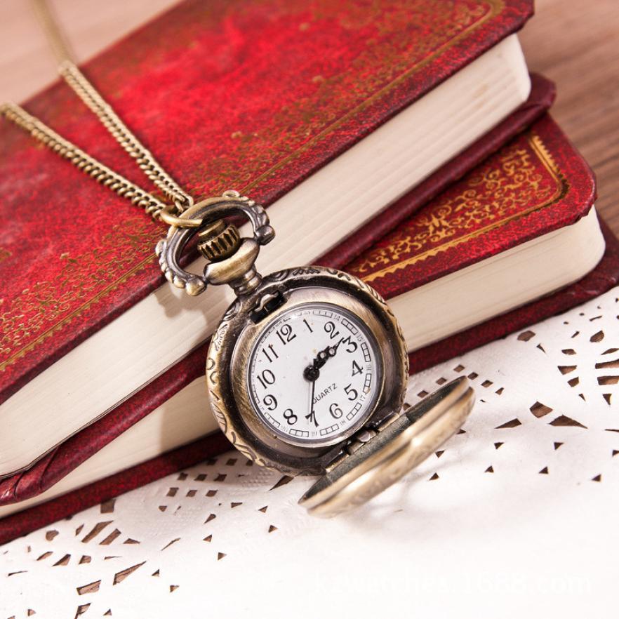 Women Watch Clock Hot Fashion Bronze Vintage Quartz Retro Pocket Watch Pendant Cool Chain Necklace Temperament High Quality C4