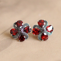 The character of silver jewelry wholesale S925 elegant lady plum garnet ear clip