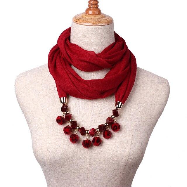 Nouveau mode petite boule de poils pendentif collier écharpe dame printemps  automne hiver écharpe de mode def7d2ad640