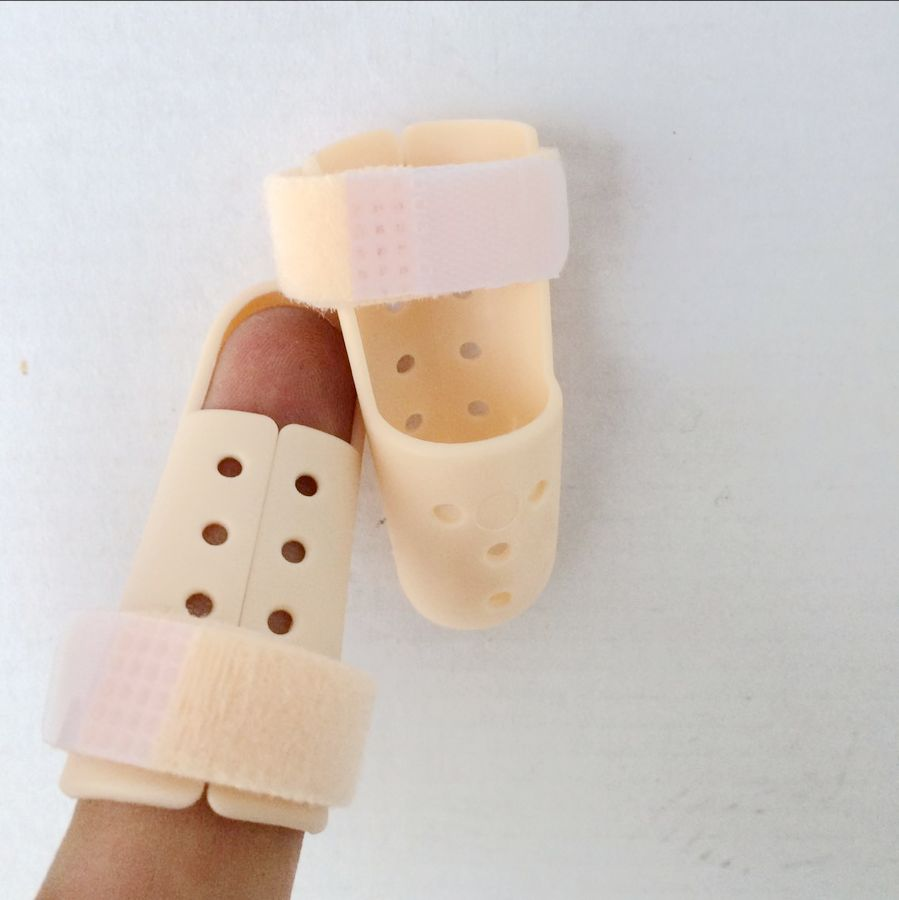 2017 new hot Plastic Mallet Finger Splint Joint Support Brace Protection Pain Relief