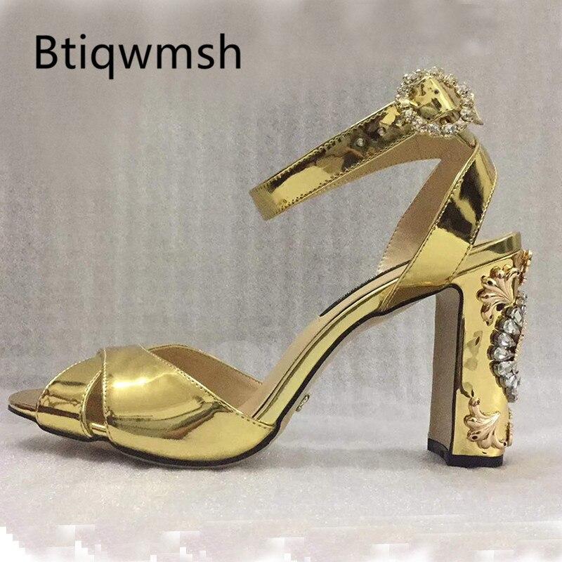 Ayakk.'ten Yüksek Topuklular'de 2019 Altın Gladyatör Sandalet Kadın Peep Toe Bileği Askı Rhinestone Saatler Yüksek Topuk Ayakkabı Kadın Moda Düğün Ayakkabı'da  Grup 1