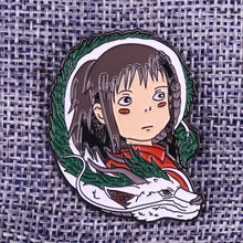 Chihiro e Haku dello smalto pin Spirited Away spilla ragazza power distintivo gioielli anime femminista regalo delle donne giacche zaino accessori(China)