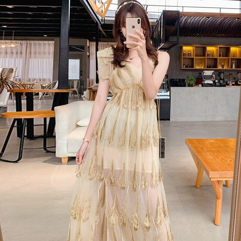2019 aristocratique tempérament en trois dimensions décoratif plume d'or blanc gaze robe broderie dos nu robe