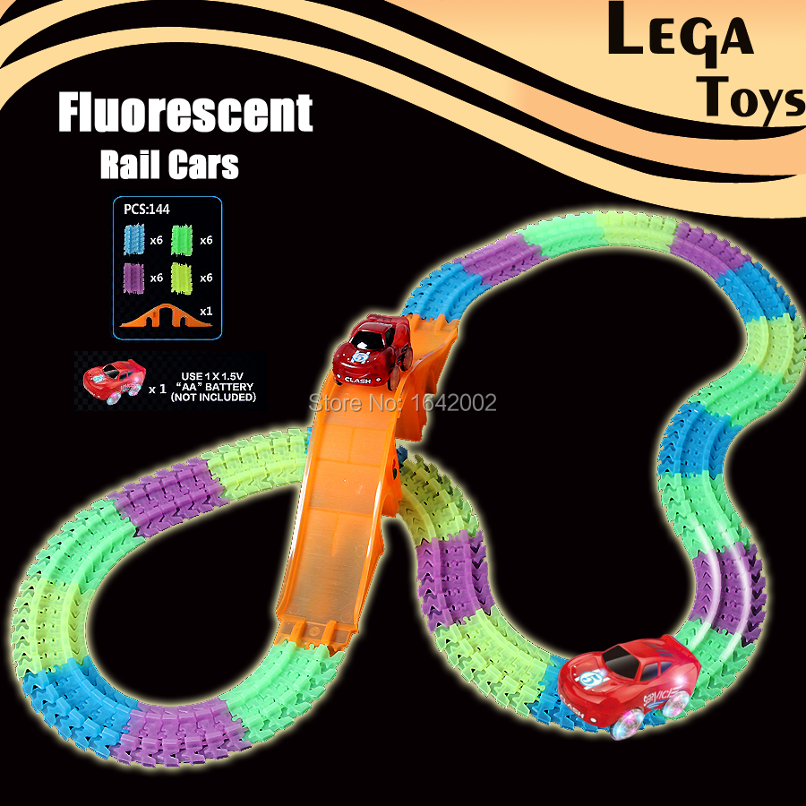 цена 144PCS Fluorescent electric Glow Race Car Track Bend Flex Flash in the Dark Assembly Toys Glow tracks with Bridge and Led Car