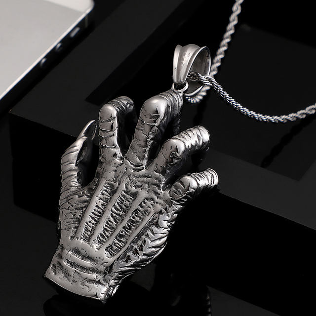 STAINLESS STEEL CLAW HAND NECKLACE