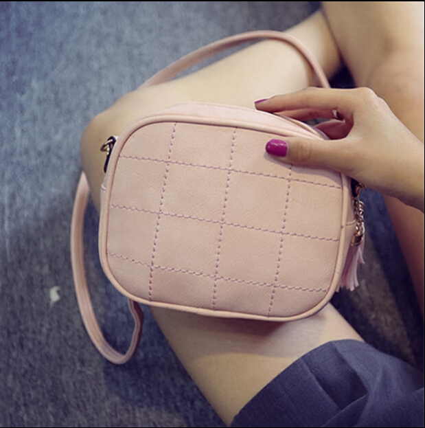 Women Messenger Shoulder Bag Simple Round Shaped Sweet Cute Crossbody Tassel Bags Girls Plaid Small Bags