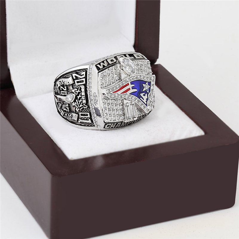 NFL New England Patriots World Champions Gold Ring