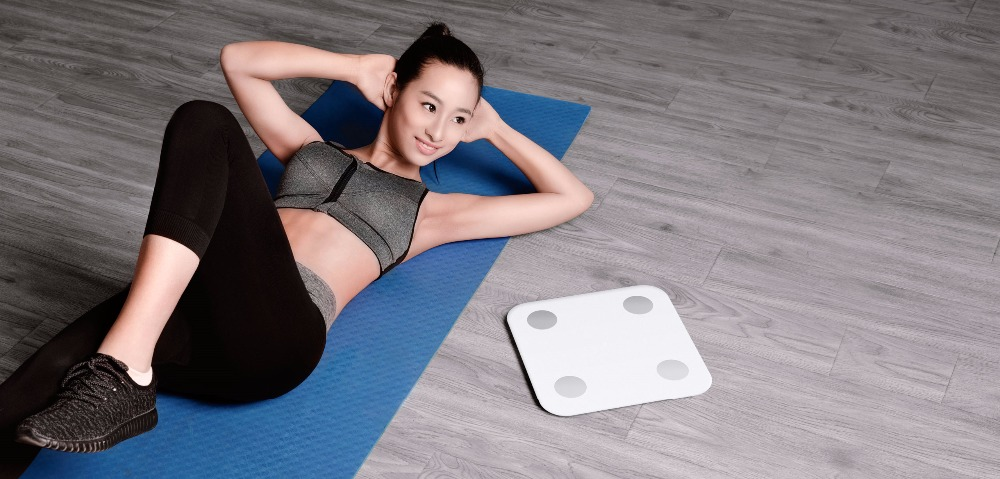 2017 oryginalny Xiao mi tkanki tłuszczowej inteligentne mi fit Bluetooth 4.0 mi cyfrowy skala 2 ukryty wyświetlacz LED biały w Waga łazienkowa od Dom i ogród na  Grupa 1