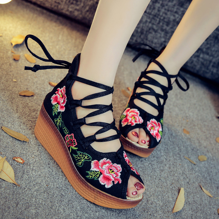 Fashion Women Shoes Old Beijing Mary Jane Flats With Casual Shoes Chinese Style Embroidered Cloth shoes woman Plus Size 34-41 peacock embroidery women shoes old peking mary jane flat heel denim flats soft sole women dance casual shoes height increase