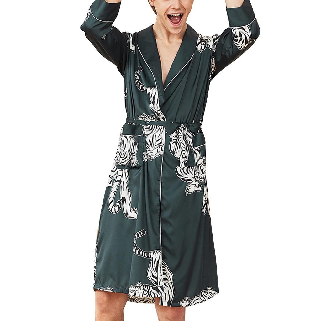 Männer Simulation Silk Print Pyjamas Dessous Robe Bademantel Appliques Nahtlose Geeignet Weiche Dressing Kleid Feine Verarbeitung