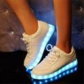 Мужчины Женщины светодиодная светящиеся Повседневная обувь Черный Белый цвета светодиодные обувь для взрослых моды LED Lovers обувь Светящиеся обувь для мужчин