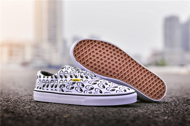 46c043a86a1e Original New Arrival 2018 CE Y56 VANS x MOONEYES Men and Womens SPORTS  Sneakers Weight shoes Eur 36-44