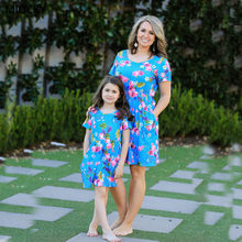лучшая цена Summer Mommy and me family matching mother daughter dresses clothes Print mom dress kids child outfits mum sister baby girl E042