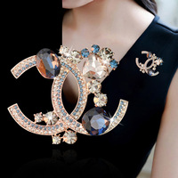 Fashion Brooch pins for Women Pearl Gold Ornament Crystal Lovely Exquisite Alloy Drill Brooch Letter G