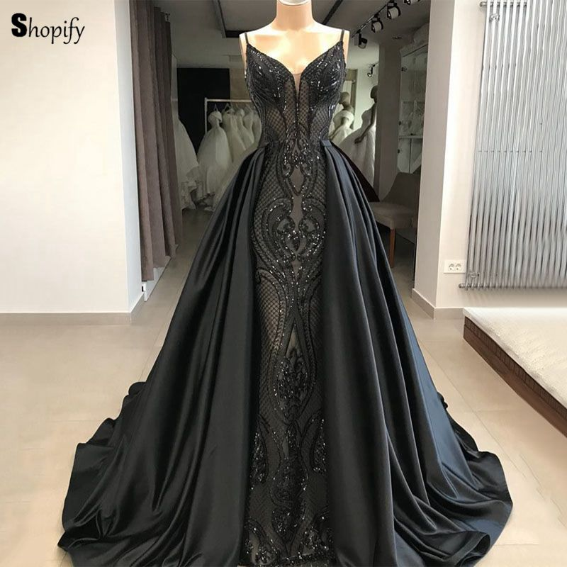 Long Elegant   Evening     Dress   2019 New Arrival V-neck Lace Saudi Arabia Women Black Formal   Evening   Gowns With DetachableTrain