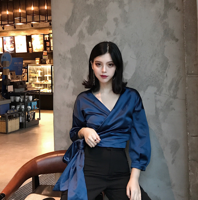 Fashion Shinny Smoothie Satin Blouse Wrap V Neck Cropped Belt Sash Puff Sleeve Shirt Women Tops Sexy Chemise Femme Blusa Mujer