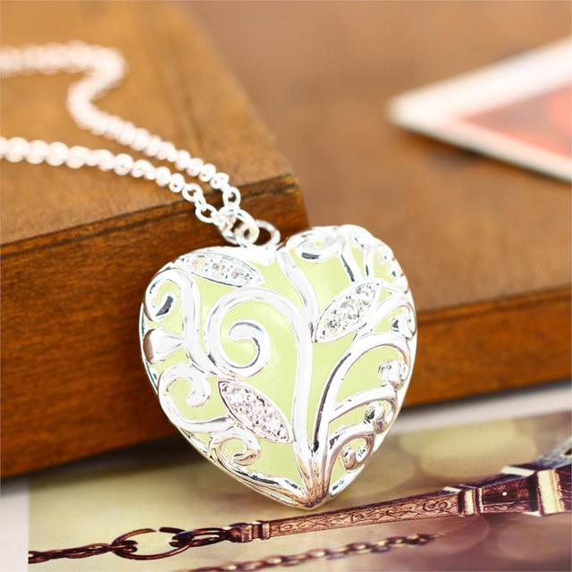 Vintage Jewelry Silver Plated with Heart Locket Floating Charm Pendant Choker Glow In the Dark Necklace for Women Men Gift