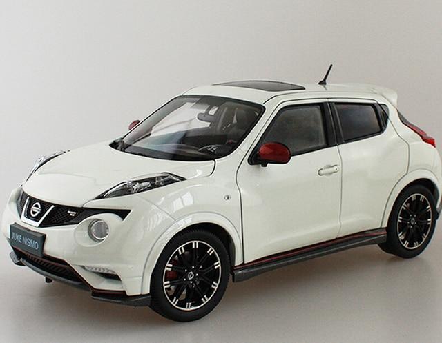 Nissan JUKE NISMO RS 1:18 Liga Modelo De Carro