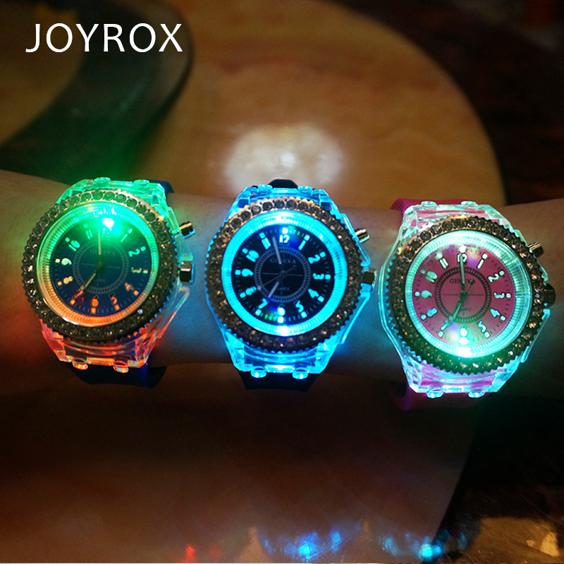 JOYROX Glowing LED Luminous Lights Elektronisch horloge 2018 Hot Dames Quartz Wirstwatch Casual Girls Student Klok relogio feminine