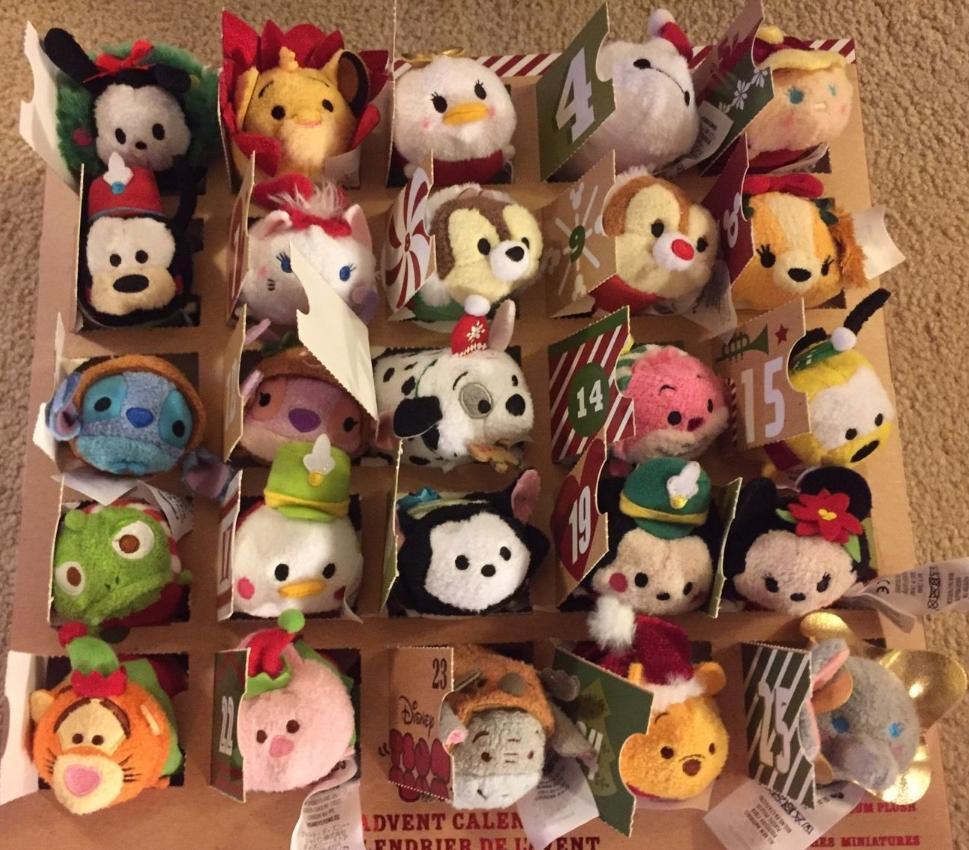 "Disney Store Tsum Tsum Christmas 2016 Advent Calenda Mickey Mouse 3.5/"" Plush toy"