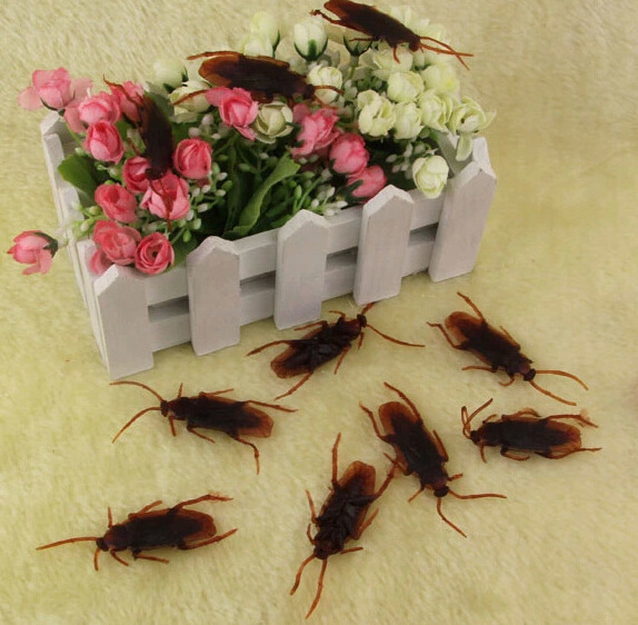 2018 Sale Promotion Game Funny Gadgets 1pcs 4cm Soft Pvc Plastic Cockroach Halloween Replica Practical Jokes Toys