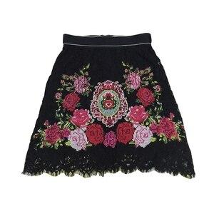 Image 2 - 2020 pista de luxo floral rosa bordado feminino preto natal mini saia inverno cintura alta a linha rendas roupas festa do sexo feminino
