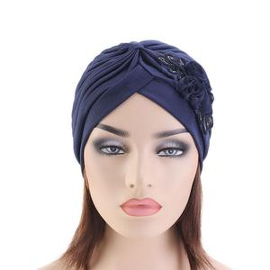 Image 3 - 인도 모자 Turban 모자 이슬람 여성 스팽글 꽃 Chemo 모자 탈모 모자 머리 랩 비니 Skullies 이슬람 Pleated Bonner 아랍