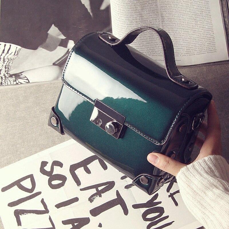 Bolsas de mensajero de cuero negro brillante diseño Simple bolsos de hombro de las señoras caja cuadrada bolso verde brillante bolso púrpura bolso de patente-in Cubos from Maletas y bolsas    1