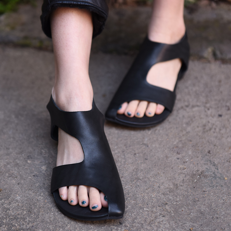 2018 Genuine Leather Rome Sandals Flat Summer Women Shoes Hollow Peep Toe Black Grey Low Heel Sandals Back Strap prova perfetto genuine leather mixed color flat platform wedge heel summer shoes for women sandals hollow open toe rome sandals