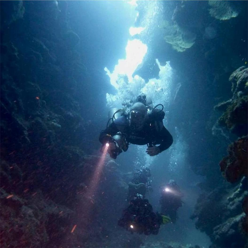 Lampe de poche de plongée TrustFire DF003 100 m sous marine 3000 lumen 3T6 3 x XM L T6 LED étanche torche et 2*26650 batterie et chargeur - 5