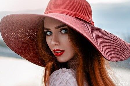 Devono Le Affrontare Cappello Ritratto Di Donne Rosso Rossetto SSZnvwx